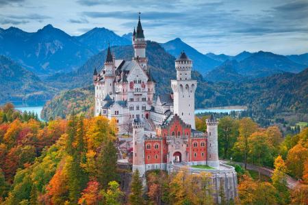 德国南部,巴伐利亚州西南部,新天鹅堡,秋天,高山