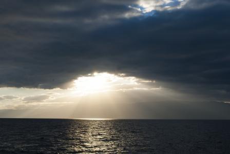 海,太阳,云彩