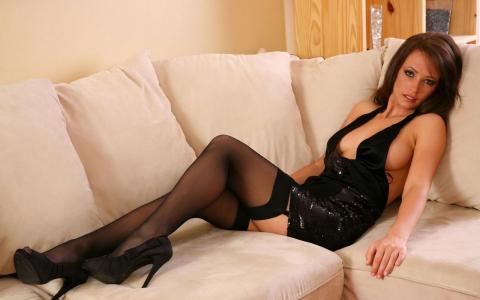 阿纳斯塔西娅哈里斯,在乳胶,礼服,色情,丝袜