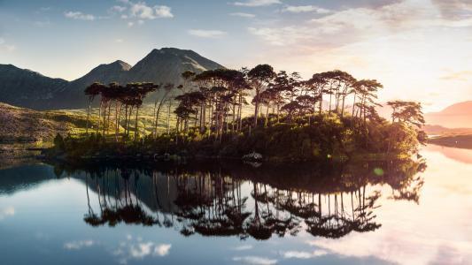 绝美的湖泊景色