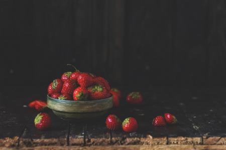 宏,照片,食品,美味,夏天,草莓,黑暗的背景