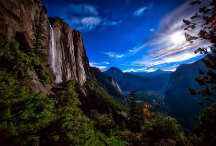优胜美地国家公园,瀑布,夜晚,月亮,光,天空,星星,山,岩石,森林,谷,灯