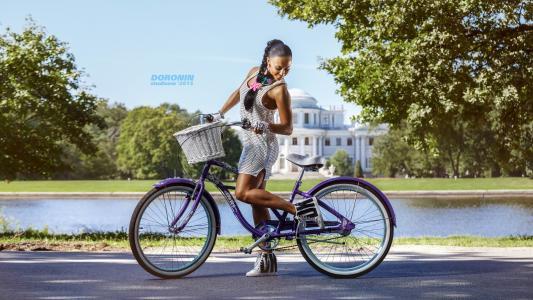 女孩,黑发,构成,摄影师,丹尼斯doronin,夏天,健身模型,衣服,图,好,自行车,微笑,心情,积极
