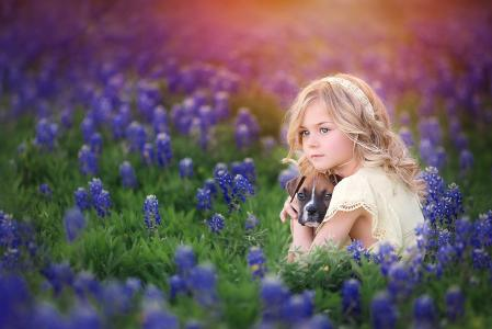 桑德拉比安科,孩子,女孩,金发,卷发,连衣裙,性质,夏天,领域,花,动物,狗,狗